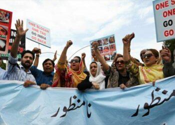 Paquistán expulsa a embajador indio y suspende lazos comerciales
