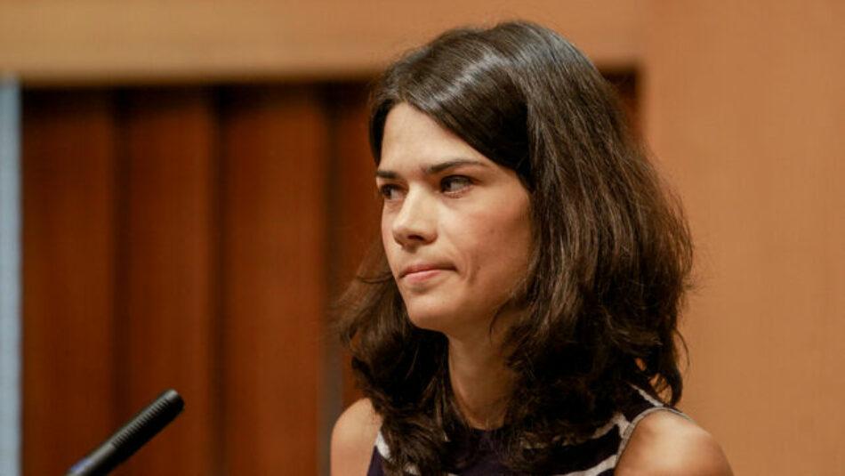 Isabel Serra: «Sánchez no se quiere poner de acuerdo con nosotros y sí con la derecha de Ciudadanos»