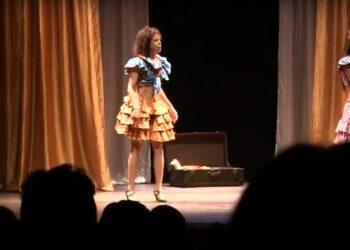 La compañía venezolana Igual a Uno Teatro lanza un crowfunding para acudir a los festivales de teatro de Almagro y León