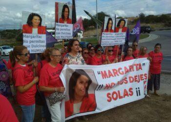 Trabajadoras de Dulcinea Nutrición exigen a Margarita Robles, ministra de Defensa, el fin de los abusos laborales de la concesionaria