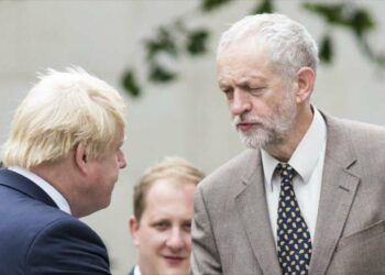 Corbyn ganaría elecciones si Johnson no logra adelanto electoral