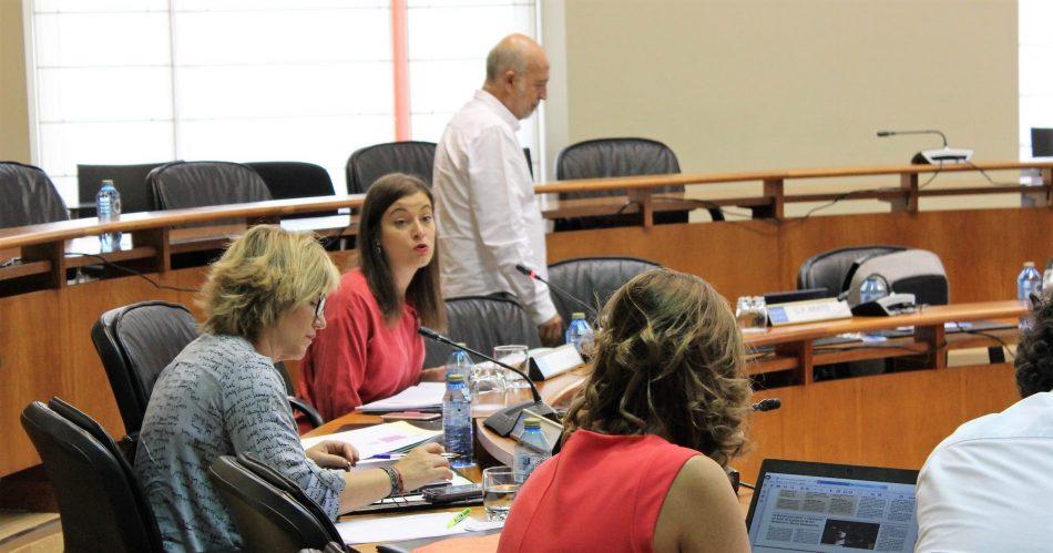 Eva Solla insta ao Goberno a cubrir as prazas vacantes no Sergas dende o ano 2009 e a publicar as cifras do persoal en activo a prol da transparencia