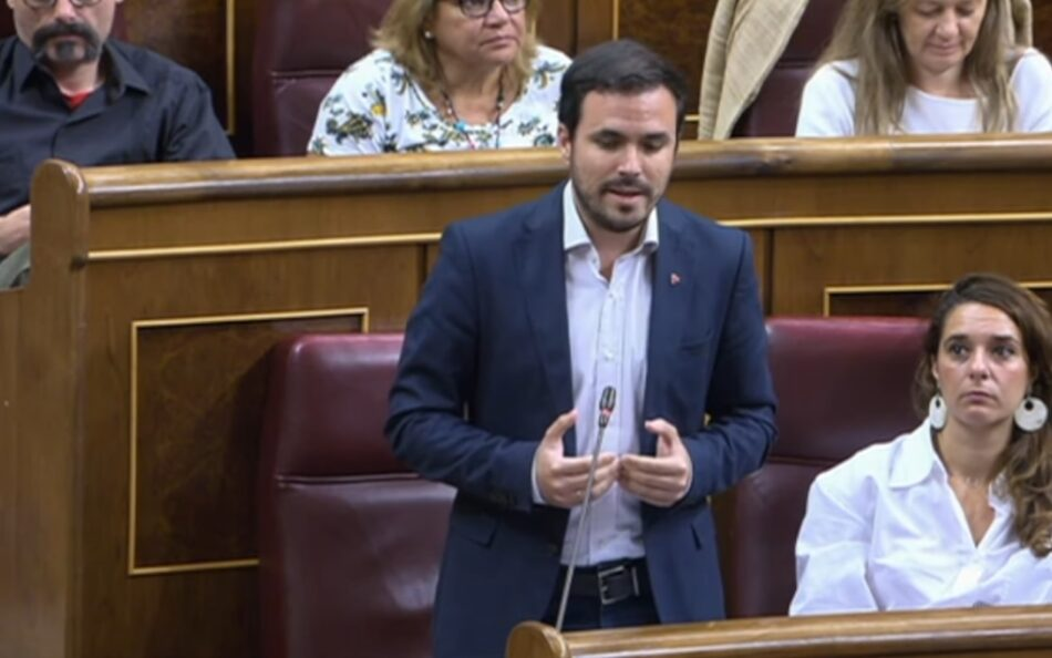 """Garzón pide al Gobierno que aclare """"qué coste en términos de recursos públicos materiales y humanos tiene que Urdangarin haga las labores de voluntariado que ha solicitado"""""""