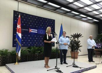 La UE ofrece apoyo financiero a Cuba y rechaza la aplicación de la ley Helms-Burton por parte de EEUU