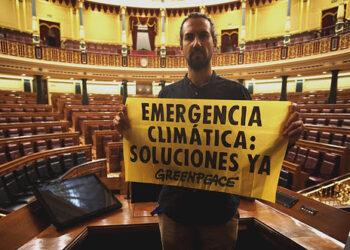 Greenpeace denuncia en el Congreso el vacío político frente a la emergencia climática