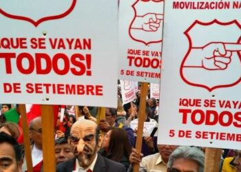 Marchas masivas en Perú apoyan adelanto de elecciones