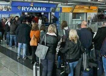 IU Exterior reitera su apoyo a la plantilla de Ryanair en huelga y responsabiliza a la aerolínea de las cancelaciones
