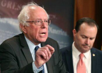 Senadores de EEUU exigen el fin de la agresión a Yemen tras nueva masacre