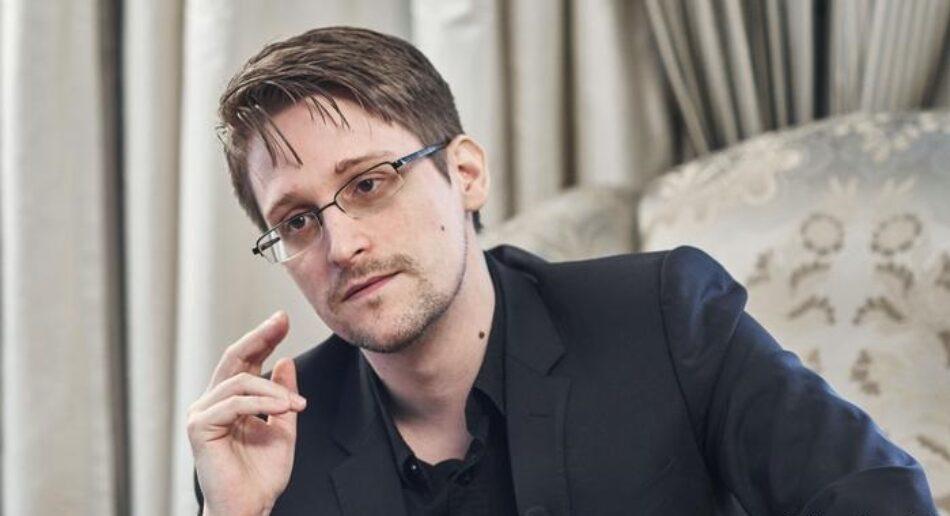 Las autoridades de Estados Unidos anuncian una querella contra Edward Snowden