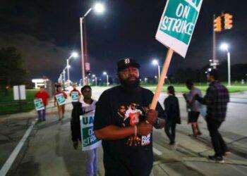 Primera huelga de los trabajadores de General Motors en 12 años