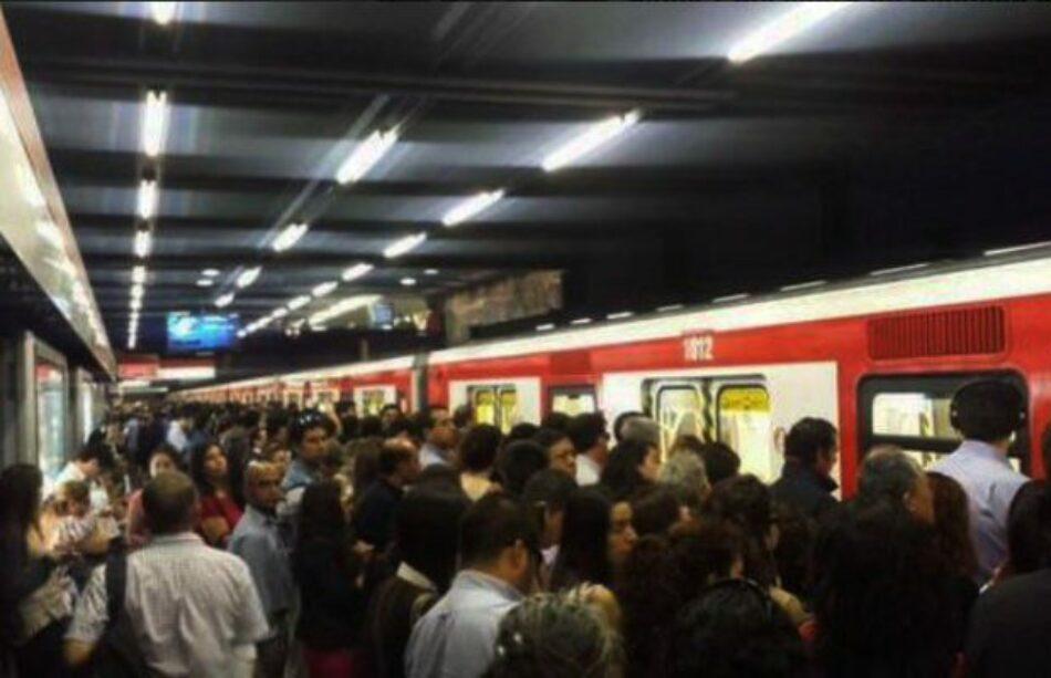 Chile. Estudiantes secundarios resuelven viajar gratuita y liberadamente en el Metro