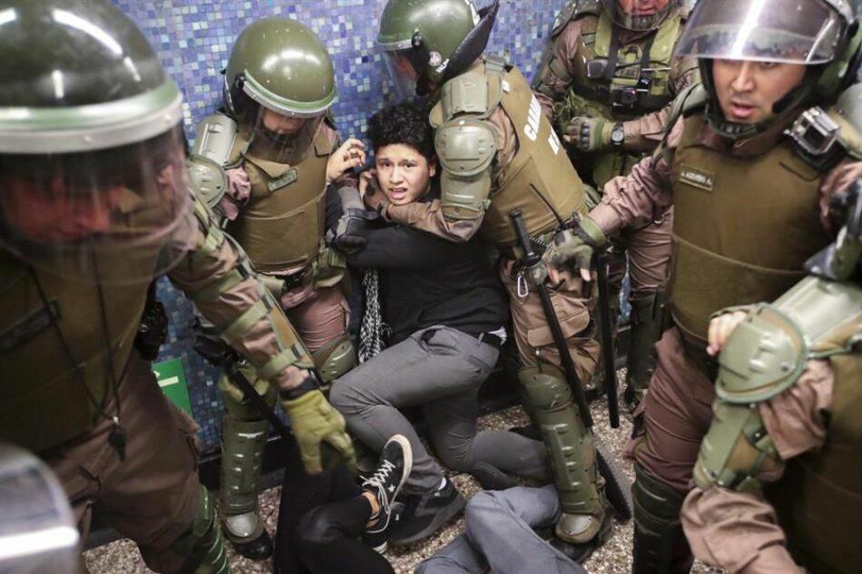 INDH de Chile señala desnudamientos, torturas y abusos sexuales tras protestas en Santiago