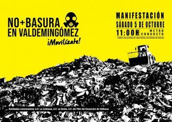 Asociaciones vecinales y colectivos protestan en Villa de Vallecas contra la llegada de más basura a Valdemingómez