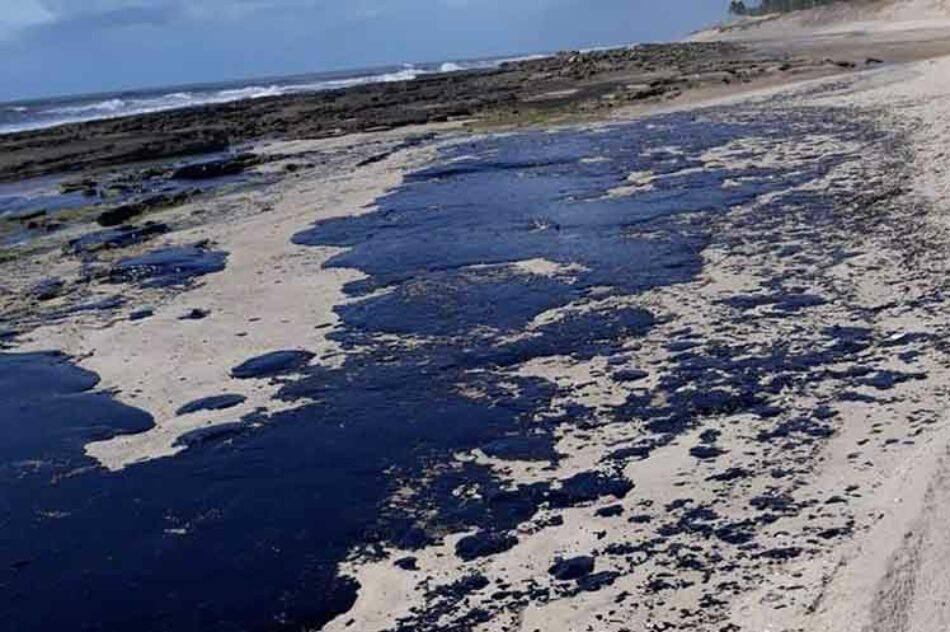 Solicitan comisión para investigar derrame de petróleo en Brasil