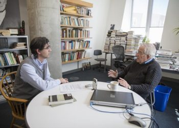 Noam Chomsky sobre la crisis del neoliberalismo en Ecuador