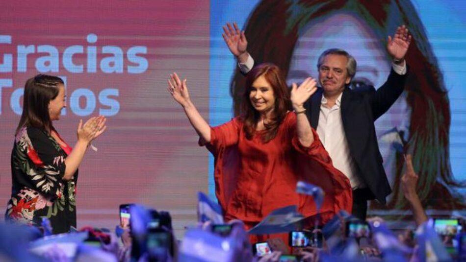 """IU felicita a Alberto Fernández y a Cristina Fernández por la """"indiscutible victoria"""" decidida por el pueblo argentino """"para acabar con las políticas neoliberales salvajes"""""""