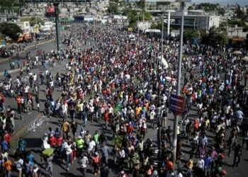 Protesta del sector salud pide renuncia de Moïse en Haití