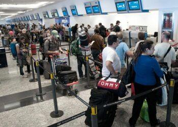 Argentinos que huyen de la crisis
