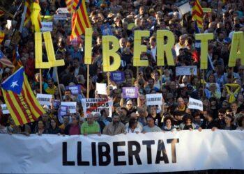 350.000 personas marchan en Barcelona para exigir la liberación de los líderes del procés