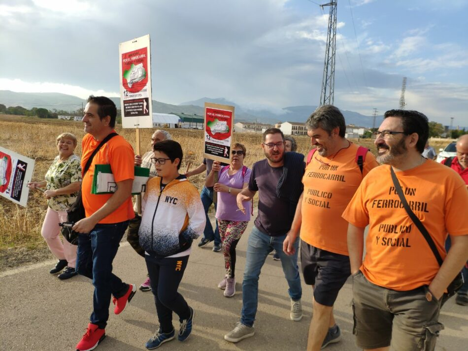 Málaga marcha por un ferrocarril público y social