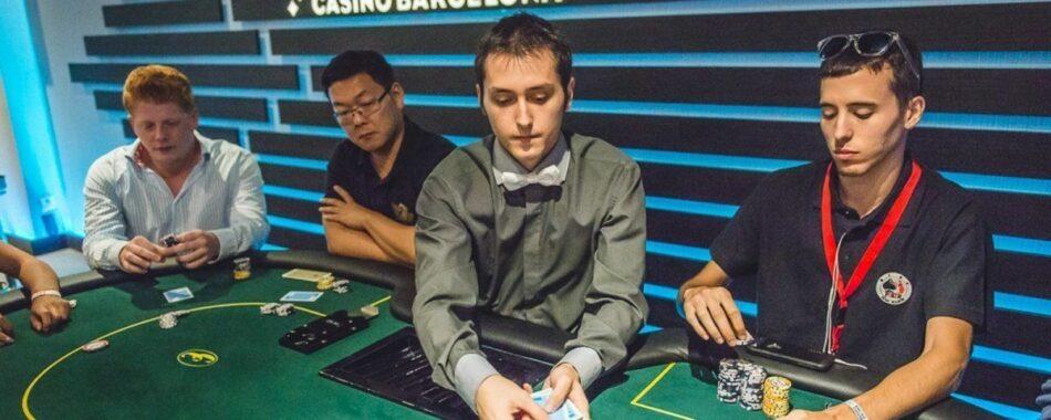Colau prohíbe la apertura de casinos, bingos y casas de apuestas