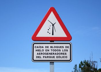 El parque eólico Mouriños, un peligro real para vecinos y senderistas