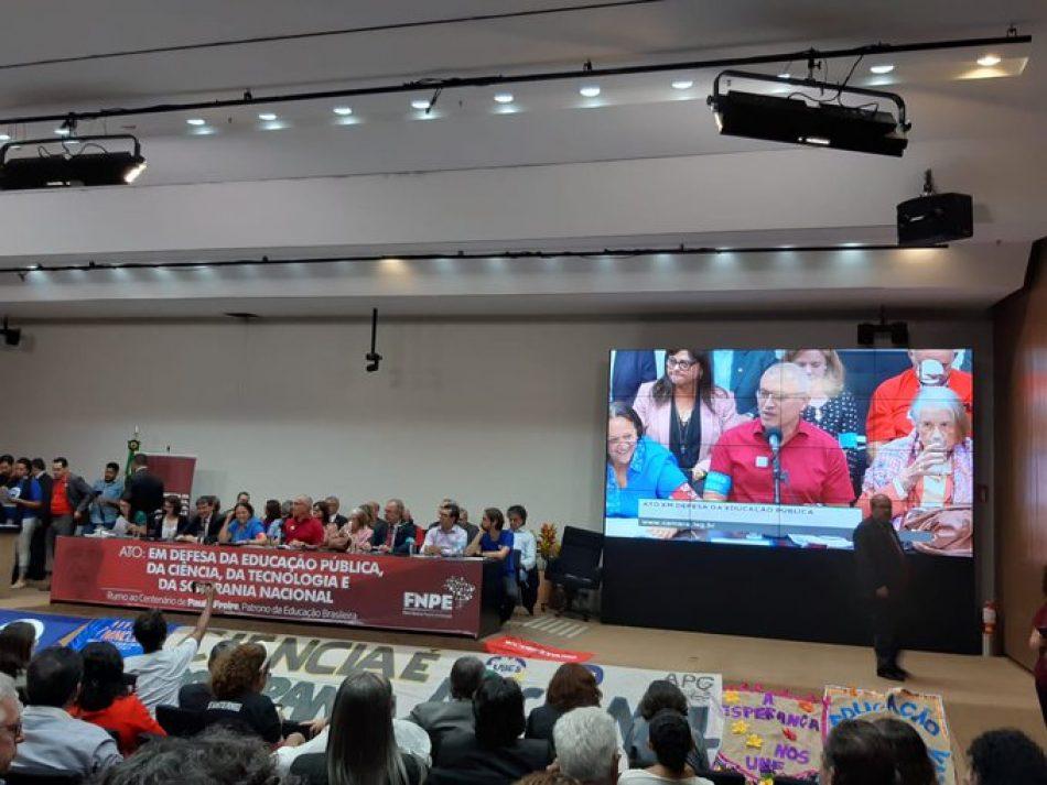 Organizaciones estudiantiles y sindicatos de enseñanza llaman a la huelga en Brasil