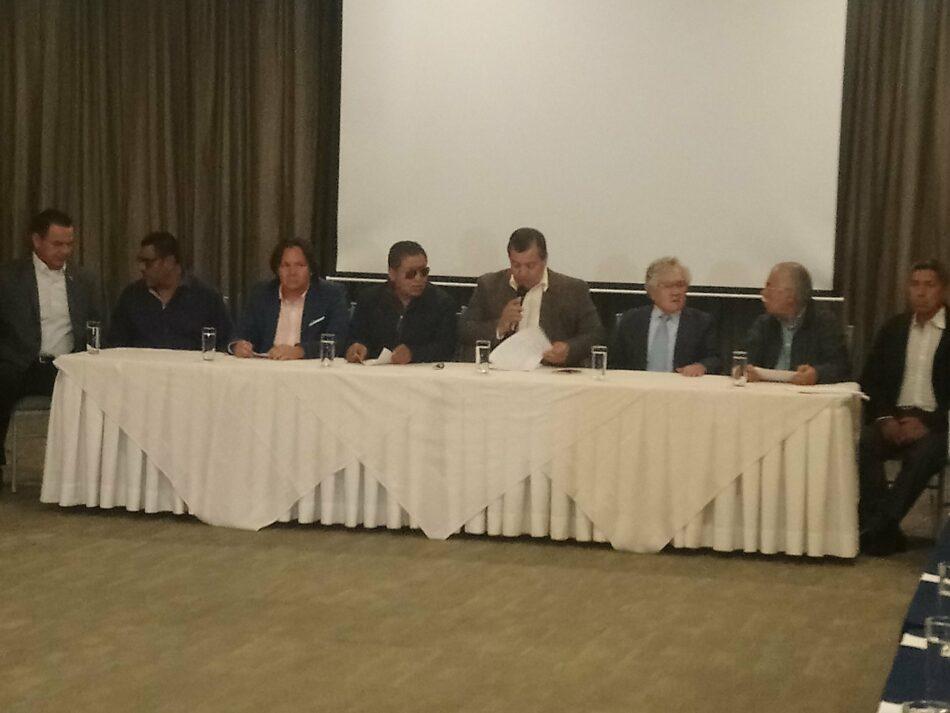 Los sindicatos del transporte desconvocan la huelga en Ecuador
