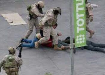 Piñera quiere sacar a militares a la calle con impunidad para matar en Chile