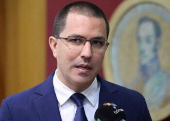 Venezuela responde a la decisión de Bukele y expulsa al personal diplomático de El Salvador