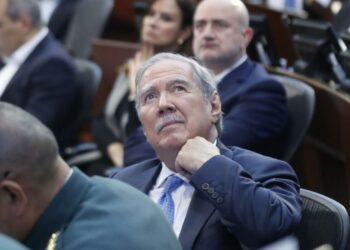 Dimite el Ministro de Defensa colombiano Guillermo Botero tras el escándalo del asesinato de menores