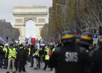 10.000 chalecos amarillos han sido detenidos por la policía francesa