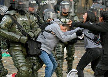 El presidente colombiano Iván Duque ordena el aumento de la represión ante las protestas
