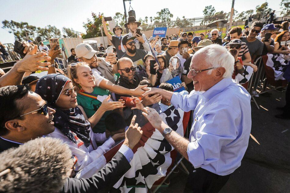 Bernie Sanders: «Evo Morales alivió la pobreza y dio voz a los indígenas en Bolivia»