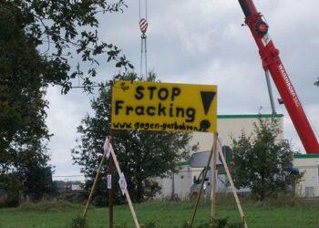 Reino Unido suspende el 'fracking' con carácter inmediato por temor a terremotos