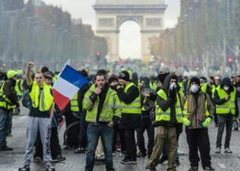 Huelga general sigue sumando adhesiones en Francia