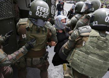 La represión ya arroja más de 5000 detenidos en Chile