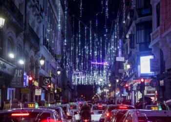 FACUA pide a los alcaldes que compitan en solidaridad y servicios públicos en vez de en luces navideñas