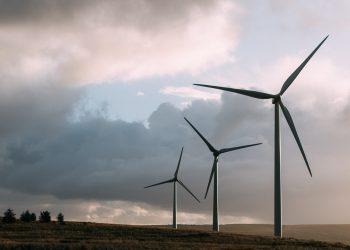 Cantabristas muestra su preocupación por la instalación masiva de aerogeneradores en zonas de alto valor medioambiental