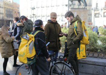"""Un tribunal de Madrid dictamina que los """"riders"""" de Glovo son trabajadores por cuenta ajena"""