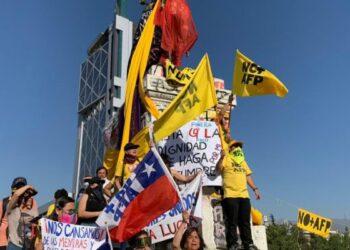 Chile. Nuevamente la Plaza de la Dignidad se llenó de gritos contra Piñera