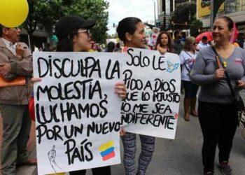 Colombia. Denuncian agresiones de la policía militar contra manifestantes en la capital