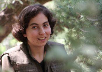 Rojyar Fırat Çektar, de las YJA STAR kurdas: «En el movimiento guerrillero encontré mi determinación»