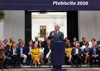 Sebastian Piñera promulga una consulta sobre la modificación constitucional en Chile