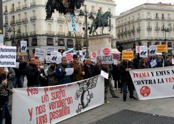 La asociación de afectados y la FRAVM piden a la Comunidad de Madrid la recuperación inmediata de las viviendas del IVIMA vendidas a Azora-Goldman Sachs