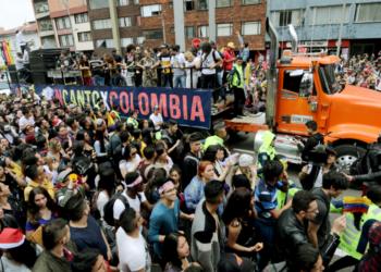 """""""Recién estamos comenzando"""": jóvenes marchantes del 8D"""