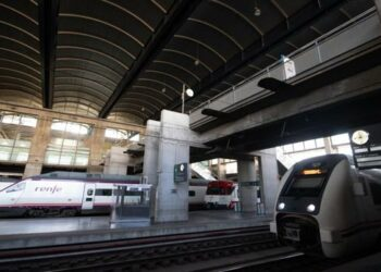 Un 41,2% de los trabajadores sin carta de servicios mínimos secundan la huelga en RENFE y ADIF