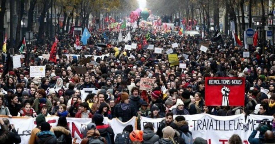 Francia se echa a las calles: éxito masivo del paro contra la reforma de las pensiones de Macron