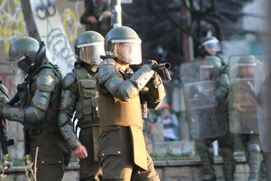 Chile: Un informe revela que los carabineros sabían, desde hace años, las lesiones irreparables que generarían sus escopetas antidisturbios