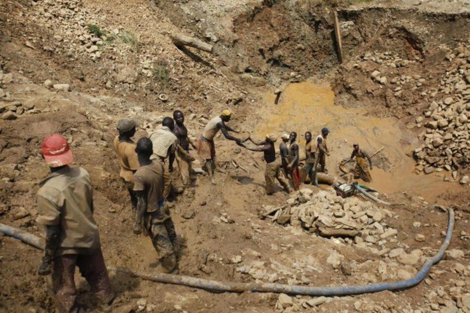 Una avalancha en una mina de oro en RDC deja 30 fallecidos